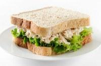 Hoe maak ik tonijnsalade