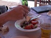 Hoe maak ik een échte griekse salade