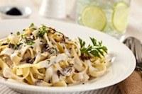 Hoe maak ik lekkere roomsaus voor bij de pasta