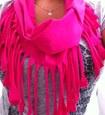 Hoe kan ik een sjaal van een shirt maken
