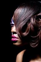 Hoe breng ik make-up aan op een donkere huid