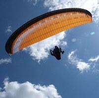 Hoe leer ik veilig paragliden